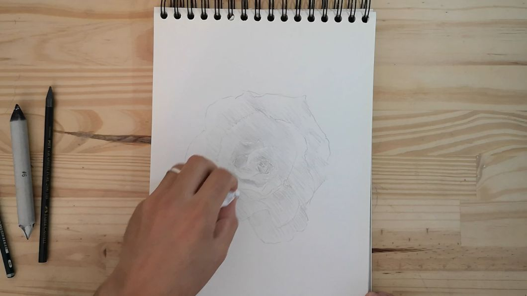 dessin de rose facile
