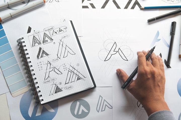 Créer une entreprise de design, Come up with your business name